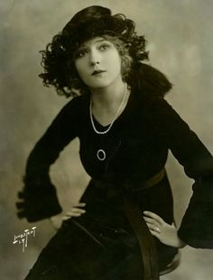 Mary Pickford, by  Alfred Lindstedt  c.1919 via obscurecinemamagic.wordpress.com