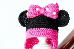 Hopeful Honey | Craft, Crochet, Create: Minnie Mouse Inspired Baby Hat Crochet Pattern