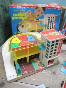 Vintage-Fisher-Price-Play-Family-Toys-Action-Garage-amp-Airport-Vehicles-amp-Figures