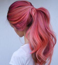 Flamingo Hair: New hair color for summer – GLAMOR – Hair Ideas Pink Hair Dye, Hair Color Pink, Hair Dye Colors, Dye My Hair, Cool Hair Color, Ombre Hair, Pink Dye, Bright Pink Hair, Long Pink Hair