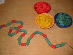 Snake craft: Patterns and fine motor practice  http://www.pinterest.com/mustangmaggie/preschool-projects/