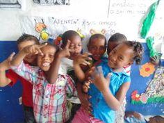 RESPIRA en Educación es uno de los cuatro sub- programas de RESPIRA en Colombia. Es un programa pedagógico innovador que introduce la práctica de mindfulness (atención plena) a los colegios de Colombia particularmente en niños, niñas y jóvenes afectados por diferentes tipos de violencia, incluyendo el conflicto armado para fomentar el aprendizaje socio-emocional y el bienestar docente y estudiantil.