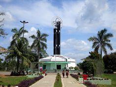 Monumen Tugu Khatulistiwa di Pontianak, Kalimantan Barat. Foto: rapidtravelchai.