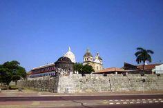 Las Murallas de Cartagena de Indias: Un Poco de Historia Las murallas fueron creadas para proteger de los ataques que sufría la ciudad. La construcción d