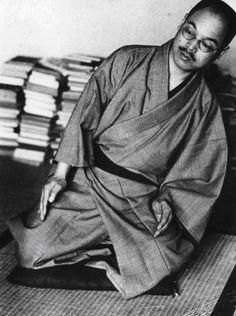 Экология здоровья: Комплекс физических упражнений для женщин от японского целителя Кацудзо Ниши. Эти упражнения легко выполнимы и полезны женщинам в любом возрасте. Они формируют совершенные линии женского тела