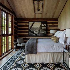 Mountain House Decor, Mountain Home Interiors, Mountain Bedroom, Lodge Bedroom, Modern Mountain Home, Bedroom Decor, Bedroom Ideas, Modern Lodge, Lodge Decor