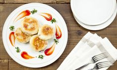 "『Cheese in Potato』居酒屋の定番! チーズポテト ・ 今SNSでじわじわ人気が出てる居酒屋の定番メニュー「チーズポテト」再現レシピ。 ・ 今回はベーコンもプラスして、さらに美味しくアレンジしました。揚げずに焼くのでカロリーオフ&手軽に作れます ・ Yanaseさん (@yanasekaori___ ) の実演動画はインスタグラムにも公開しました。ぜひご覧になってみて下さい。 ・ Popular menu in Japanese style bar ""Cheese in Potato"" with a twist to make it to be healthier and tastier. Go give it a try!  #recipe #7cutrecipe #foodstagram #yummyfood #instagood #homemadefood #instacook #instafood #cheese #potato #おうちごはん  #レシピ #チーズ #チーズポテト #料理 #手作り #居酒屋メニュー #簡単レシピ #じゃがいも…"