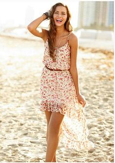 Hanging w/ friends outfit: floral dress w/ brown belt bracelets and necklace TIP: wear sandals Cute Summer Dresses, Pretty Dresses, Beautiful Dresses, Casual Dresses, Dress Summer, Country Summer Dresses, Spring Dresses, Summer Clothes, Summer Outfits