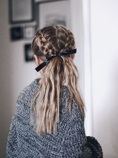 hair vines hair styles medium length hair wedding hair dos wedding hair hair curly updo hair styles for long hair down hair with flowers hair long French Braid Hairstyles, Pretty Hairstyles, Hairstyles For Hats, Sponge Hairstyles, Summer Hairstyles, Teenage Hairstyles, Hairstyles With Ribbon, Hairstyles Tumblr, Workout Hairstyles