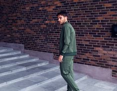LES DEUX TRACK SUIT - TRACK JACKET AND TRACK PANTS IN KOMBU GREEN