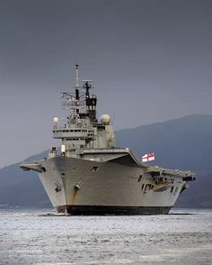 HMS Ark Royal Visits HMNB Clyde for the Final Time by Defence Images, via Flickr Royal Navy Aircraft Carriers, Navy Carriers, Hms Ark Royal, British Armed Forces, Naval History, Royal Marines, Armada, Navy Ships, War Machine