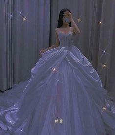 Princess Ball Gowns, Princess Wedding Dresses, Dream Wedding Dresses, Extravagant Wedding Dresses, Black Wedding Gowns, Quince Dresses, Ball Dresses, Prom Dresses, Prom Outfits