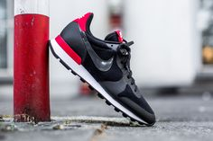 NIKE WMNS INTERNATIONALIST TP 'FLEECE PACK' BLACK/BLACK-CHLLNG RED-WHITE available at: www.tint-footwear.com/nike-wmns-internationalist-tp-fleece-pack-002 nike wmns womens internationalist retro running fleece pack tech pack tp sneaker tint footwear studio munich