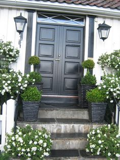Doors in Lillesand, Norway - http://mirashjorne.blogspot.no/