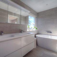 Färdigt Kundjobb ala' Kakelhuset #Kakelhusetkungsbacka#Vedum#Flow#MateriaD#Italgraniti#Badrumsinspo - kakelhusetkungsbacka Jun, Bathtub, Bathroom, Instagram Posts, Home, Organisation, Standing Bath, Washroom, Bath Tub