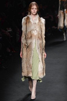 valentino-rtw-fw15-runway-low-res-25 – Vogue