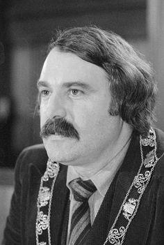 Arie Andries (André) van der Louw (Den Haag, 9 augustus 1933 - Scheveningen, 20 oktober 2005) - 1974-1981 Burgemeester van Rotterdam