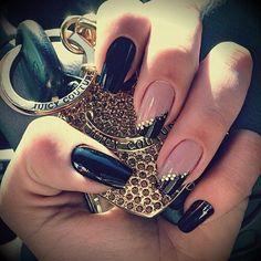 Chic black nails & manicure ideas for summer 2013  #nail #unhas #unha #nails #unhasdecoradas #nailart #gorgeous #fashion #stylish #lindo #cool #cute #fofo #cat #gato #gatinho #animal#Nail Art Designs #nail art / #nail style / #nail design / #tırnak / #nagel / #clouer / #Auswerfer / #unghie / #爪 / #指甲/ #kuku / #uñas / #नाखून / #ногти / #الأظافر / #ongles / #unhas