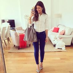 Blue Pants - Look of the Day — Mimi Ikonn Business Casual Outfits, Professional Outfits, Outfit Semi Formal, Beautiful Outfits, Cool Outfits, Mimi Ikonn, Modest Fashion, Fashion Outfits, Fashion Clothes