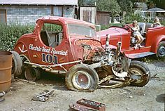 Old dirt track car