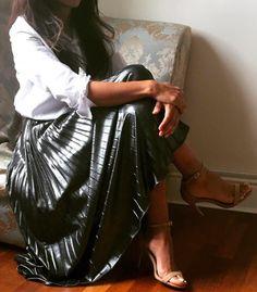 Lookdimoda:   https://www.instagram.com/look.di.moda/    #chic #classic #elegant #white #liquid silver maxi skirt