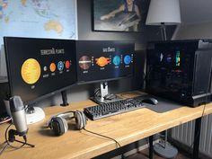 New desk new picture Laptop Gaming Setup, Gaming Pcs, Gaming Room Setup, Pc Setup, Computer Rooms, Computer Desk Design, Computer Setup, Home Office Setup, Home Office Design