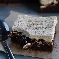 Baileys Irish Cream Brownies | ButtercreamBlondie.com