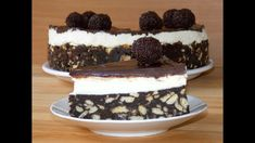 So simple and yet so delicious and appetizing, this chocolate biscuit cake is awesome and you definitely have to try it! And the gre. Chocolate Biscuit Cake, Chocolate Pancakes, Homemade Chocolate, Chocolate Recipes, Decadent Chocolate, Baking Recipes, Dessert Recipes, Desserts, Brigadeiro Cake