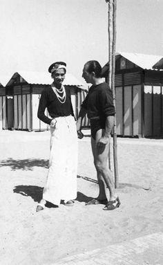 Gabrielle 'Coco' Chanel (47) and Duke Laurino of Rome - 1930 - Lido Beach, Venice - Photo: Getty Images