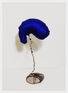 Gemma Rabionet, FOETUS BLUMEN: Foetus made of yarn wool