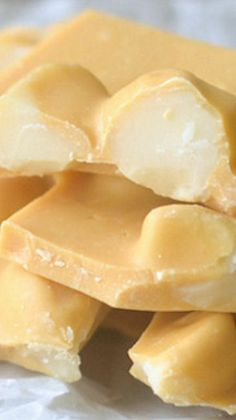 This unique Blonde Chocolate Macadamia Bark is an easy homemade candy made with white chocolate that is slowly 'toasted' in the oven to a rich caramel! Candy Recipes, Sweet Recipes, Holiday Recipes, Dessert Recipes, Nut Recipes, Cooking Recipes, Just Desserts, Delicious Desserts, Yummy Food