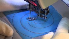 Watch Why Most Give UP Trying Freemotion Quilting - Keeping u n Stitches Quilting Machine Quilting Patterns, Longarm Quilting, Free Motion Quilting, Quilting Tips, Quilting Tutorials, Quilt Patterns, Patch Quilt, Quilt Blocks, Quilt Kits