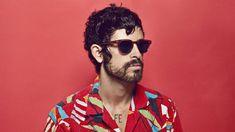 "El brasileño Rodrigo Amarante provee vocales de apoyo para ""Rosa"".    #rodrigoamarante #musician #brazil #portuguese #music #musico #portuguesemusic"