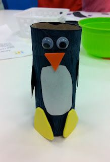 Penguin out of toilet paper roll. Easy toddler craft. #momstown