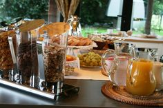 Breakfast at Bed and Breakfast San Giacomo Horses - Arluno (Milano) Hotel Breakfast, Bed And Breakfast, San Giacomo, Brunch Buffet, Styling A Buffet, Did You Eat, Recipe Of The Day, Horses, Meals