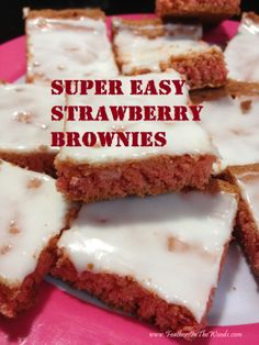 Feathers in the woods: Super easy strawberry brownies Cake Mix Recipes, Candy Recipes, Brownie Recipes, Dessert Recipes, Cake Mixes, Unique Desserts, Just Desserts, Delicious Desserts, Yummy Food