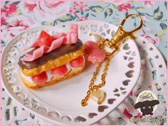 How To Make Eclairs With A Kutsuwa Mold - Air Dry Clay Tutorial #airdry #clay #fimo #air #light #eclair #sweetsdeco #charms #fakesweets #fakefood #handmade #selfmade #diy #Cirria #crafts #cute #Modelliermasse #tutorial #clayfood #homemade #howto #Kutsuwa #mold