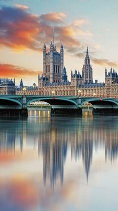 Buckingham palace Palaces United Kingdom.