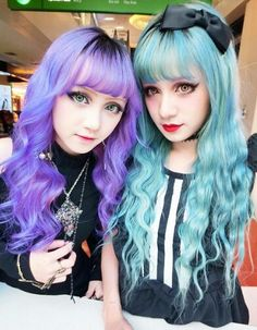 Sisters of geva hemming adoptive mother of Lucy. We dislike her a lot birth mom to bad she will be at our mercy soon enough. Style Pastel, Pastel Blue Hair, Colorful Hair, Pastel Goth Fashion, Kawaii Fashion, Punk, Color Fantasia, Mode Kawaii, Harajuku