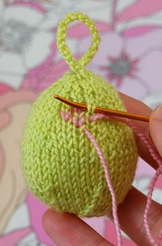 Knitted Easter Egg from the Purl Bee