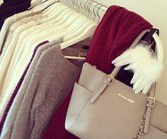 Kleiderschrank Mode Fashion Accessoires