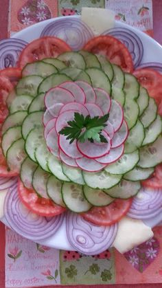 KonyhaMalacka disznóságai: Zöldség-carpaccio saláta Dinner Parties, Watermelon, Appetizers, Dressing, Party Ideas, Wine, Dining, Fruit, Food