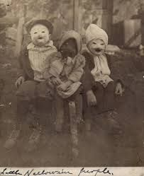 Tagged with interesting, wtf, awesome, scary, creepy; collection of creepy old vintage halloween costumes *mature audiences only* Coastumes Halloween Effrayants, Terrifying Halloween Costumes, Mascaras Halloween, Masque Halloween, Creepy Halloween Costumes, Halloween Outfits, Spooky Scary, Creepy Masks, Scary Kids