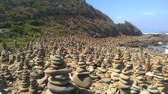 Little flashback to the Great Ocean Road  #stones #stonestacking #greatoceanroad #roadtrip #landscape #attraction #ocean #goodoldtimes #van #australia #travel by pauljan