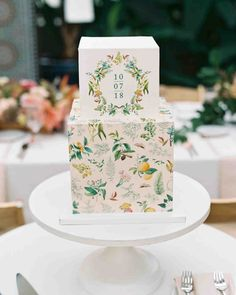 Wedding Cakes for Your Contemporary Dessert Table cubed wedding cake with flora-and-fauna-centric illustrationscubed wedding cake with flora-and-fauna-centric illustrations Wedding Cake Images, Wedding Cake Pops, Black Wedding Cakes, Unique Wedding Cakes, Wedding Cakes With Flowers, Wedding Simple, Camo Wedding, Wedding Ideas, Green Wedding