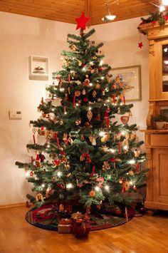 Tannengirlande deluxe k nstliche weihnachtsb ume girlanden adventskr nze - Dekorierter weihnachtsbaum ...