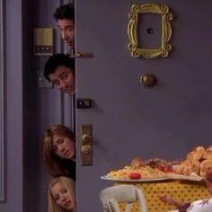 Friends Best Moments, Serie Friends, Friends Tv Quotes, Friends Scenes, Friends Poster, Friends Cast, Friends Episodes, Friends Gif, Friends Forever