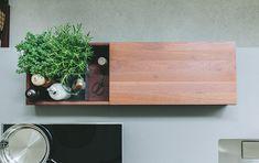 Idee für eine Utensilien box? Erhältlich bei uns. Kitchen Sets, Floating Shelves, Industrial, Box, Inspiration, Home Decor, Ingolstadt, Kitchen Small, Little Kitchen
