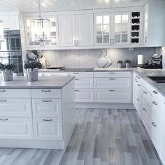 White kitchen is never a wrong idea. The elegance of white kitchens can always provide . Elegant White Kitchen Design Ideas for Modern Home Kitchen Room Design, Home Decor Kitchen, Interior Design Kitchen, New Kitchen, Home Kitchens, Kitchen Ideas, Interior Ideas, Kitchen Corner, White Kitchens Ideas