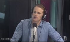 Here is a NEW interview from Rove and Sam with Sam Heughan CLICK HERE OR ON THE SCREENCAP TO WATCH THE VIDEO
